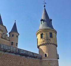 Alczar de Segovia fortaleza de los Reyes de Castilla y Len #europe #eurotrip #spain #espana #segovia #tower #alcazar #castillayleon #medieval #estaes_espania #estaes_segovia (gabrielsavio) Tags: europe eurotrip spain espana segovia tower alcazar castillayleon medieval estaesespania estaessegovia