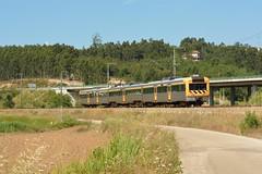 U 16818 - Reveles (valeriodossantos) Tags: comboio train cp passageiros ute2240 unidadetriplaelétrica automotoraelétrica urbano cpregional urbanosdecoimbra reveles montemoronovo ramaldealfarelos caminhosdeferro portugal