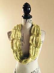Matinee ~ Peridot Cowl ~ Finished Detail (Pointe Shoes Punk Rock And Purl Pix) Tags: knitting cthulhu sundara merinosilkblend pointeshoespunkrockandpurl somanyvicessolittletime karinbonravelry keibdesigns dragoncareproducts