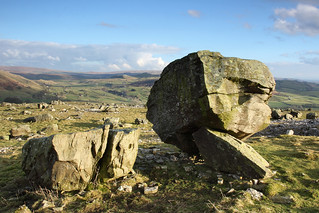 Norber Erratics, Yorkshire Dales National Park near Austwick, North Yorkshire, UK