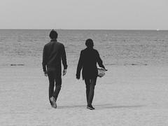 un homme et une femme.... (hkoskas) Tags: bw woman mer man guy love beach girl marseille femme playa nb mec amoureux marsiglia massilia plages mediteraneansea mditranne marseillaise marseillais massalia