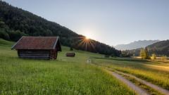 Am Geroldsee (MC-80) Tags: sunlight sunrise germany bayern deutschland bavaria alpen krn gerold lichtstrahlen geroldsee sonenlicht buckelwiesen wagenbrchsee blendenstern