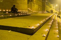 Dyas at the ghats (Dick Verton) Tags: travel india evening varanasi oillamps dyas ghars
