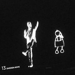 Håller min tumme för Måns och Hero denna kväll i Österrike. Heja heja  #esc #eurovision2015 #månszelmerlöw #minsvartvitavardag2015 #dag142 (ulricalyhnakis) Tags: square squareformat inkwell iphoneography instagramapp uploaded:by=instagram