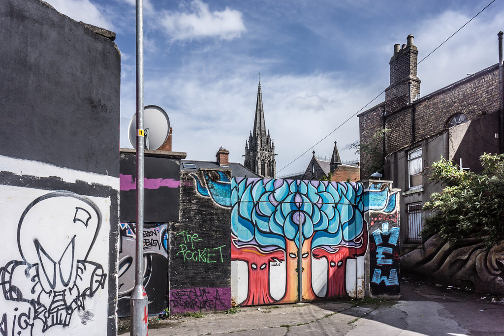 STREET ART IN DUBLIN - CABRA PARK URBAN GALLERY [A REALLY UGLY LANE]-104066