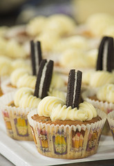 Cupcakes cookies and cream (Patricia Vlez) Tags: postres cupcakes dulce galletas cookiesandcream repostera pastelillos ponques mangapastelera cremademantequilla clasesdecocina capacillos ambientegourmet julianaalvarez