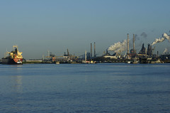 Tata Steel, North Sea Canal (Sean Anderson Classic Photography) Tags: ship minolta steel tata f4 velsen 3570 tatasteel minolta3570f4 sonya700