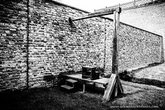 Gallow B/W (A.Nilssen Photography) Tags: camp bw white black konzentrationslager prison theresienstadt kl mala kz lager concentrationcamp gestapo execution terezin smallfortress gallow pevnost