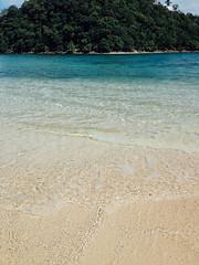 IMG_1382 (Hannah Adriano) Tags: travel beach ocean port barton palawan philippines