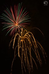 Mixed Blooms, Vero Beach Fireworks, 2016-07-04 (Nikonfan1346) Tags: fireworks floridaatlanticcoast