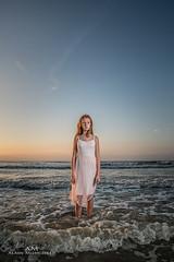 Camille (Mijngheer Alain) Tags: strobe strobisme strobism strobist girl belgium belgie belgique beach speedlite sb700 sunset sea water alone lonely nikon d600 nikond600
