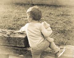 Doudou (Vert Mango) Tags: enfant doudou douceur