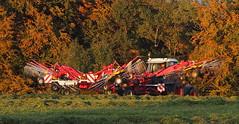 Transfortrekker (BCHTLCK) Tags: trekker traktor bayern herbst herbstlich herbstlicht laub chiemgau traunsteintractor bavaria autumn fall autumnal light foliage greenery upperbavaria
