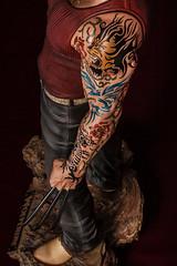 Lobezno con tatuaje (dsc828) Tags: tatoo wolverine tatuaje figura lobezno strobist pintadoamano