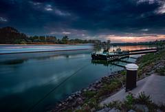 Donau - blaue Stunde (Ralph Punkenhofer) Tags: blue sky nikon wasser outdoor dramatic himmel hour d750 20mm nikkor f4 danube donau abendrot blaue mauthausen stunde dramatischer