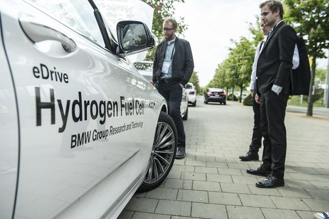 BMW's Hydrogen Fuel Cell car