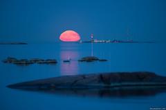 Harmaja moonrise (taivasalla) Tags: blue sea moon lighthouse water finland helsinki moonrise seashore harmaja