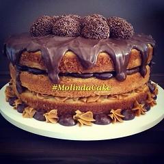 Bom diaaa! Hj está difícil de resistir! 😋🍰🍫❤🎂 #molindacake #cakedesign #cake #cakedecorating #sweet #bolo #candy #sobremesa #party #nakedcake #bolopelado #naked #nutella #docedeleite #recheio #instacake #instafood #in (Molinda Cake) Tags: boss cake pasta americana bolo bolos confeitados molinda