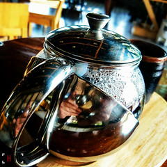 Teapot (Shane Hebzynski) Tags: wood reflection cup coffee thailand cafe asia sony pot xperiaz5