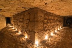 L'angle du n64 (Bre) Tags: paris underground pause bougies quarry souterrain carrire longue