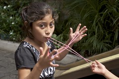 string play (Pejasar) Tags: girl string play student escuela integradaantigua guatemala