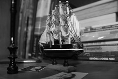 Items (DavidHdez) Tags: mexicana book barco thing room chess libro things objetos read perspectiva items objeto ajedrez artesania fotografias potograph monocrom apreciacin
