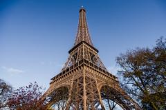 Torre Eiffel #1xDia (079-366) (Danel Aisemberg) Tags: sky cloud paris clouds reflex nikon europa full cielo nubes frame gran 20 35 angular francia d610 atx235afpro
