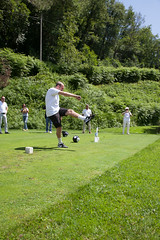021 (patrizia lanna) Tags: persone albero allenatore buca calcio campo esterno footgolf giocatore gioco golf luce memorial movimento natura palla panorama parco prato verde rapallo italia