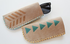 sunglasses diy crafts howto parlor sunglassescase blanketstitch sunglassesholder upcycledleather parlordiarycom