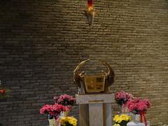 Cherub-guarded (patentboy) Tags: church catholic angels tabernacle fishkillny stmarymotherofthechurch