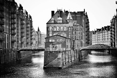 old wharehouse district Hamburg (paddy_bb) Tags: street travel bw water rain germany deutschland cityscape hamburg neogothic 2010 nikond40 paddybb