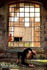 Dance-03 (Michele Zecchin) Tags: portrait color art abandoned industry colors portraits project photography dance nikon mood factory arte danza flash michele setting ritratti industria ritratto abandonment 18105 dismessa fabbrica progetto fotografico abbandono abbandonata zecchin ambientazione progettofotografico statodanimo nikond7000