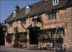 The Corner Cupboard: Winchcombe (Canis Major) Tags: garden pub inn open gloucestershire winchcombe cornercupboard