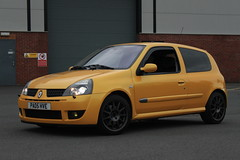 LY 182 27-06-16 004 (AcidicDavey) Tags: yellow clio renault liquid 182 renaultsport