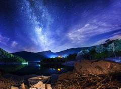 Tower of Infinity (Mat Viv) Tags: canon canon760d canont6s 760d t6s canoneos760d canoneost6s eos rebel panorama panoramic samyang samyanglens samyang14mmf28 longexposure wideangle night nightsky nightphotography stars milkyway milkywaygalaxy galaxy lake water reflections lights village mountains clouds sky landscape italy tuscany travel