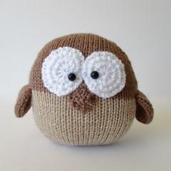 Barney Owl (Knitting patterns by Amanda Berry) Tags: knitting knitted knits knit pattern patterns owl owls brown easy beginner newbie flat needles browns