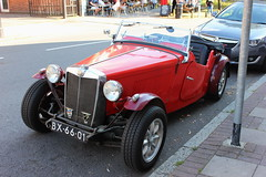 Weybridge 075 (Slimboy Fat) Tags: weybridge england unitedkingdom gb 1953 mg td