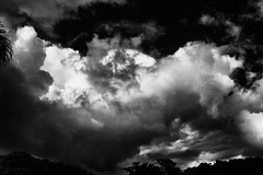 Heavy clouds (Jaime Recabal) Tags: canon 40d clouds recabal blackandwhite blancoynegro monochrome sigma