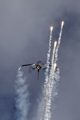 Belgian F-16AM dispensing Flares @ LKHK (stecker.rene) Tags: display smoke sigma airshow f16 solo viper flares renaud grat fighterjet thys fightingfalcon belgianairforce ciaf lkhk aerialdisplay f16am flyingdisplay eos7d 150500mm fa84 ciaf2012