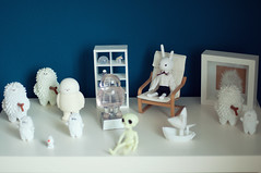 Doll & Toy Shelf 6 (Sai / Rebecca) Tags: white ikea monochrome japan toy olaf frozen miniature nikon collection clear custom gid crazylabel treeson bubiauyeung ghostb d5000 sergeysafonov onsenmanjukun moonfox lampenico usaggie