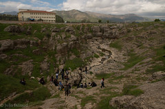 Remembrance ceremony around Cumgus mass grave (Julia Buzaud) Tags: turkey turkiye turquie genocide diyarbakir turkije turquia kurdistan armenian turchia massgrave kurdo ermeni massacresite gomidas curdo koerdish ungus