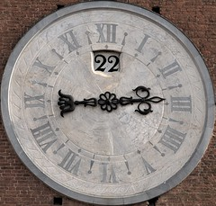 Just before three o'clock (hbothmann) Tags: clock cityhall townhall siena civiccentre rathaus mairie gemeentehuis uhr municipio turmuhr turretclock ratusz paosdoconcelho casaconsistorial  torenuurwerk     zegarwieowy