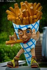 Das ist wirklich lustig! / That is really funny! (R.O. - Fotografie) Tags: french lumix funny outdoor pommes panasonic fries lustig fz 1000 dmc campingplatz imbiss twistesee wetterburg fz1000 dmcfz1000
