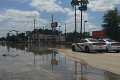 Rayford Road @ Richards Road (kelli.bergin) Tags: flooding lawenforcement day149 springtexas montgomerycounty 149365 beginswithl rayfordroad