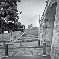 Plaza Del Quinto Centenario (Black and White Fine Art) Tags: eastar6x6china 75mmf35 kodaktrix400 sanjuan oldsanjuan viejosanjuan puertorico bn bw plazadelquintocentenario arquitecture arquitectura