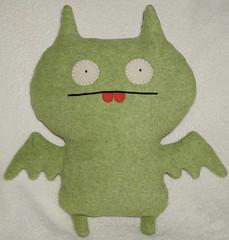 Uglydoll Handmade David Horvath and Sun Min - Dream Bat (jcwage) Tags: green giantrobot handmade bat ox plush cinco uglydoll uglydolls icebat babo redteeth wage horvath wedgehead davidhorvath sunminkim oneofkind protoype uglycon jeeero