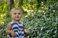 Lara (_ Alejandro _) Tags: portrait cute child retrato niña infantil follaje