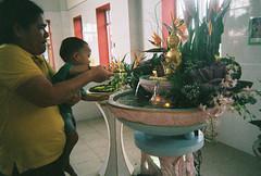 CNV000030-2 (Lee Sydney) Tags: festival temple day superia buddha buddhist buddhism celebration filter 400 fujifilm kg koh lomolitos xtra 2015 enlightment wesak 卫塞节 hinayana therevada 成佛 三宝宫