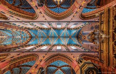 St. Mary's Basilica Cathedral in Krakow, Poland (Thien Thach   01678530980) Tags: cathedral krakow