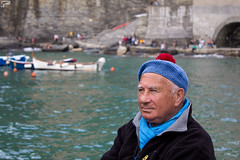 lifestyle (Frank Perrucci) Tags: life old italy man fishing fisherman sailing liguria